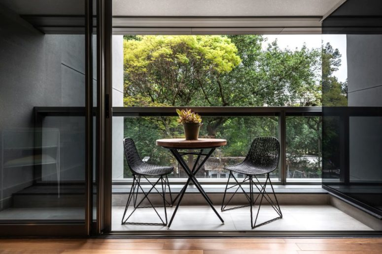 Balconies flood the spaces with natural light and allow having meals al freco and enjoy the views