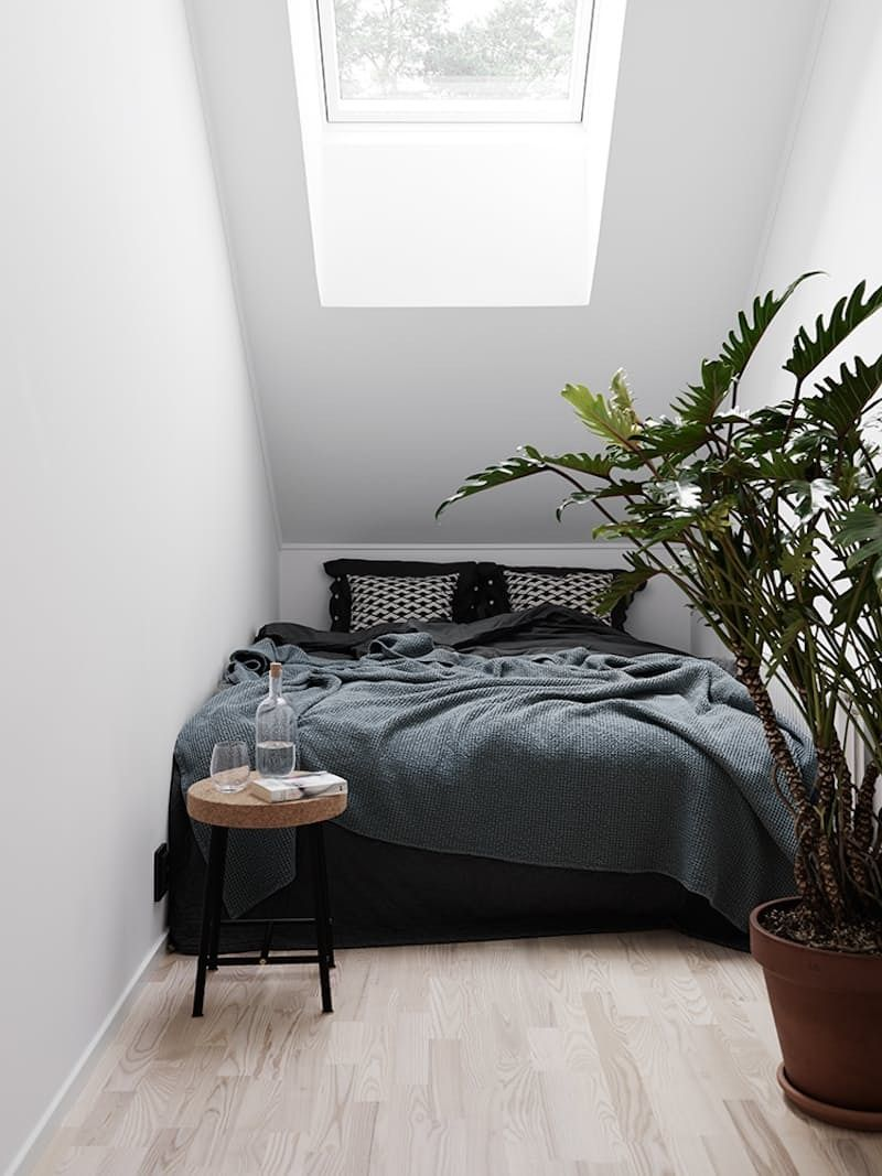 Minimalist Bedroom Black