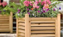 Wood Planter For Make a Great Choice Outdoor Decor