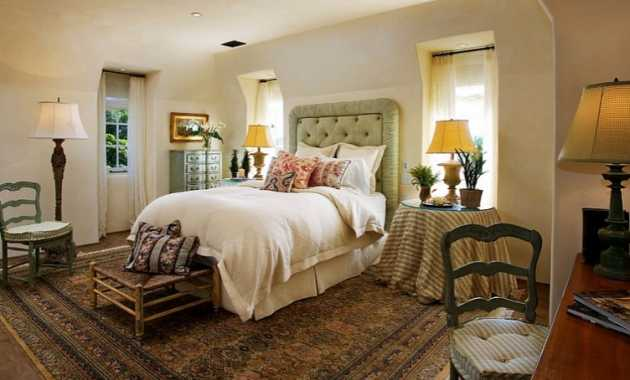Chic Rug Adds To The Mediterranean Style Of The Bedroom