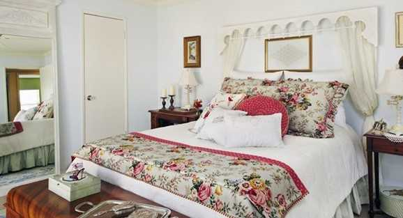 Country French Cottage Bedroom