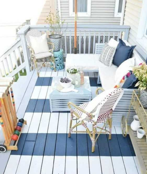 Small Front Porch In Striped Blue