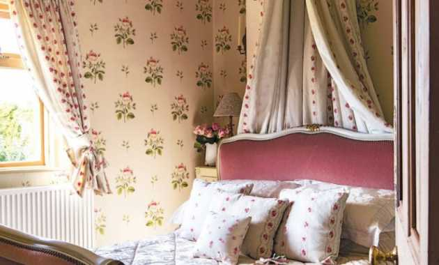 French Country Bedroom In Classic Cream Mix With Chintz Textiles To Capture The Essence Of Pretty Vintage Style
